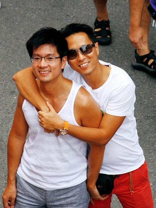 Chuyện tình 10 năm của cặp đôi đồng tính Việt - 2