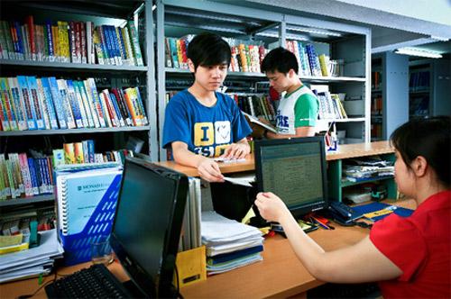 Trường THPT Văn Lang Hà Nội tuyển sinh lớp 10 năm 2015 - 1