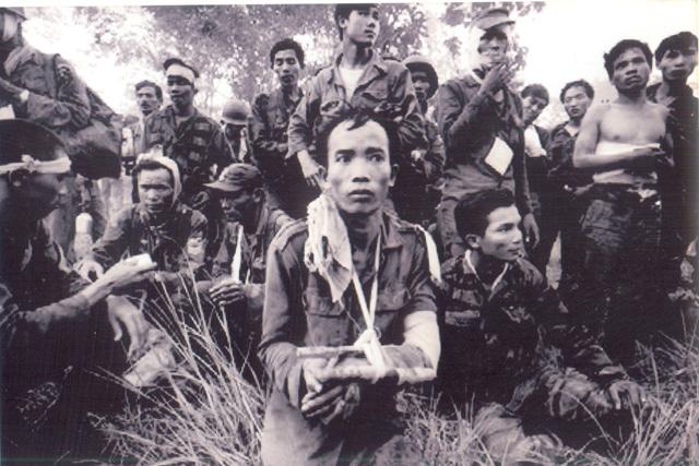Nhìn lại chiến tranh Việt Nam qua những bức ảnh của AP - 9