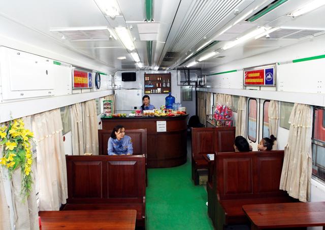 Cận cảnh tàu hỏa HN – Lạng Sơn sang như khách sạn 5 sao - 1