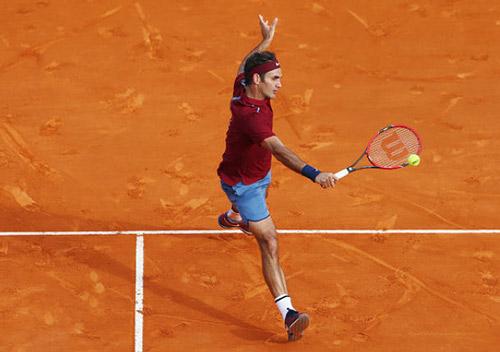 """3 cú """"đánh lén"""" bất thành, Federer tự hại mình - 1"""