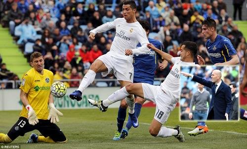 """Real lại đại thắng, thầy trò Zidane mơ """"ăn cú đúp"""" - 1"""