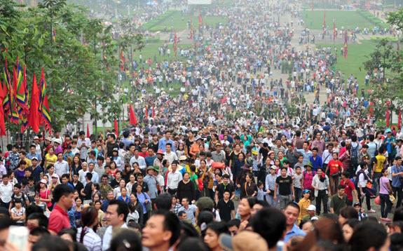 Lễ hội Đền Hùng 2016: Chen lấn là sự cố ngoài ý muốn - 1
