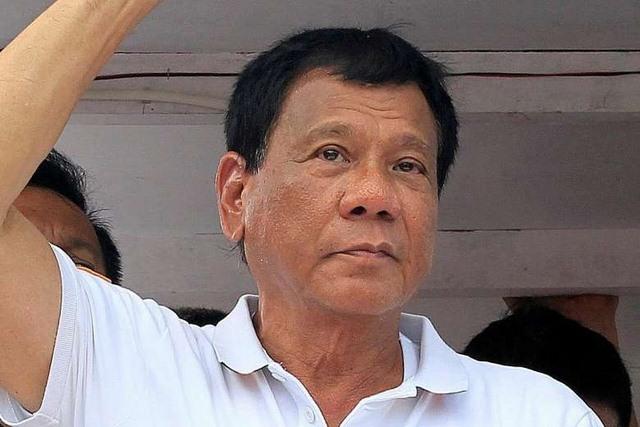 """Kể """"bậy"""" về người bị hiếp, ứng viên TT Philippines gặp vạ - 1"""