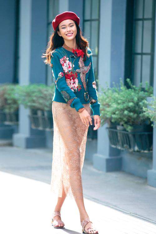 Váy hot nhất tuần: Chân váy gây hiểu lầm của Mâu Thủy - 1