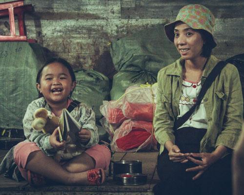 Xúc động với vai người mẹ thiểu năng của Thu Trang - 1
