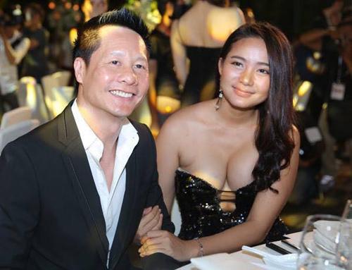 Phan Nhu Thao va chong - 1