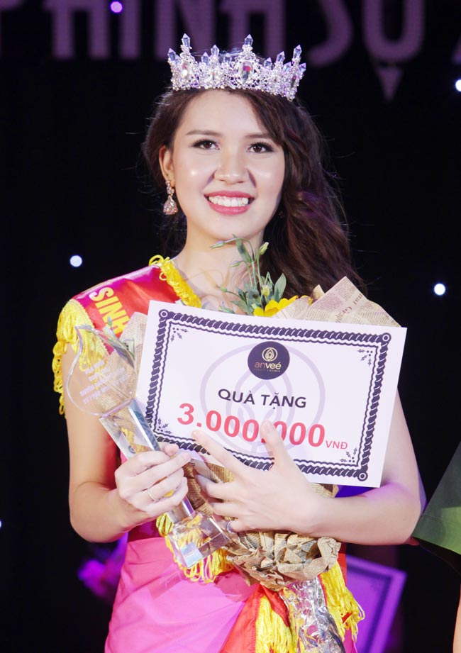 Nữ sinh 19 tuổi giành giải Hoa khôi Tư pháp hình sự - 1