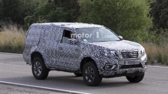 Nissan Navara SUV mới lộ diện trên đường thử - 1