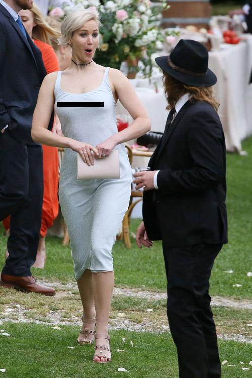 Jennifer Lawrence táo bạo với mốt không nội y - 1