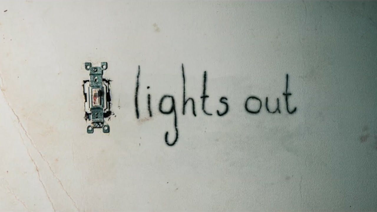 """""""Lights Out"""" tung trailer kinh dị hơn cả """"The Conjuring 2"""" - 1"""