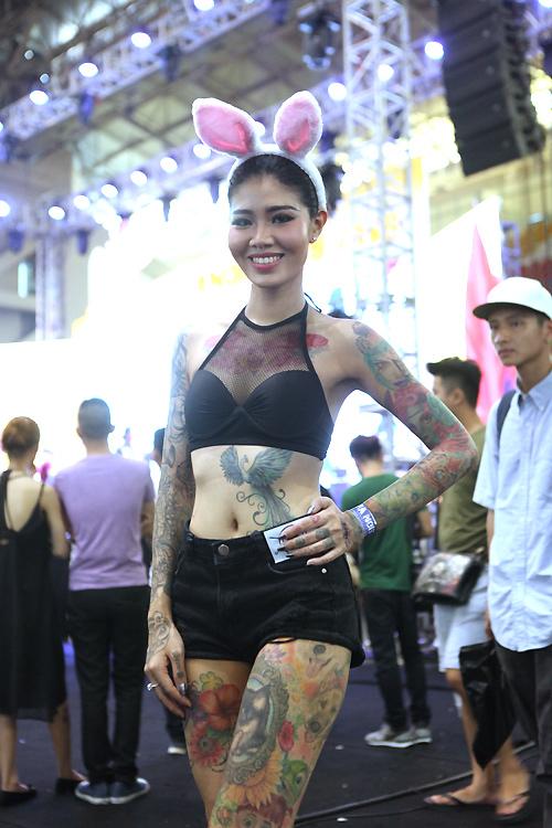 Soóc ngắn sexy ngập tràn lễ hội xăm mình ở Hà Nội - 1