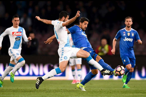 Napoli - Juventus: Bừng tỉnh sau giờ nghỉ - 1