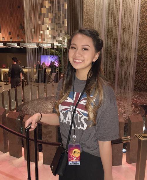 Lần đầu MC Kỳ Duyên khoe con gái 18 tuổi xinh đẹp như hoa - 1