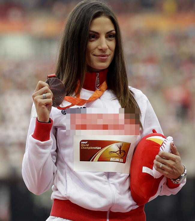 Ivana Spanovic là cái tên mà nhiều người hâm mộ thể thao mới nghe lần đầu, nhưng ở Serbia, cô ấy thực chất nổi tiếng ngang với tay vợt số 2 thế giới Novak Djokovic.