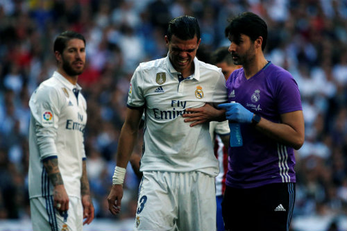 Siêu kinh điển Real-Barca tan hoang: Bi kịch Neymar, Ronaldo - 1