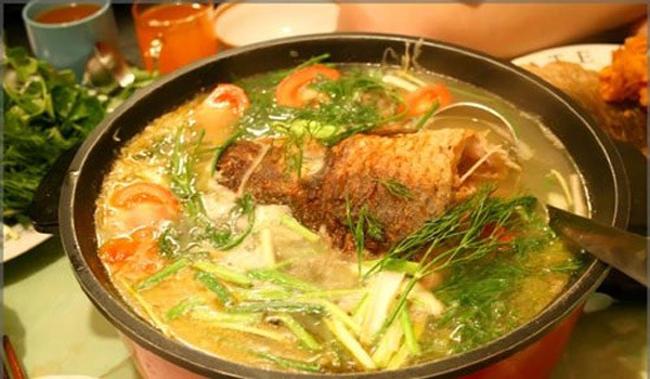 Cá chép và thịt gà: Sinh ra nhiều mụn nhọt.