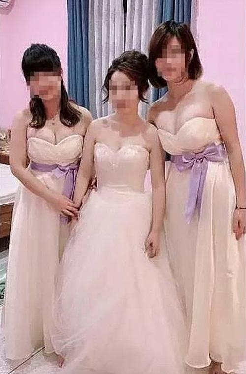 Phù dâu quá gợi cảm khiến cô dâu bị lu mờ ngay trong đám cưới - 1