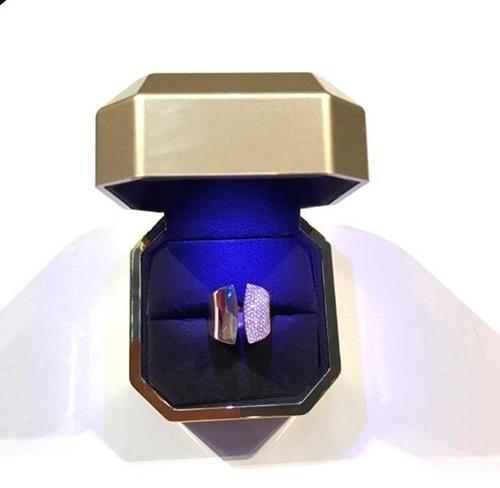 Dương Triệu Vũ có ý gì khi tặng nhẫn kim cương cho Mr. Đàm? - 1