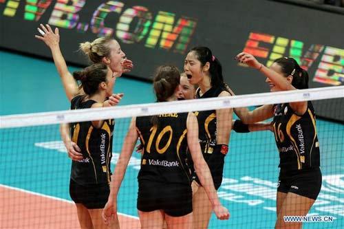 Bóng chuyền nữ: Siêu sao Trung Quốc & dàn Dream Team nếm trái đắng - 1