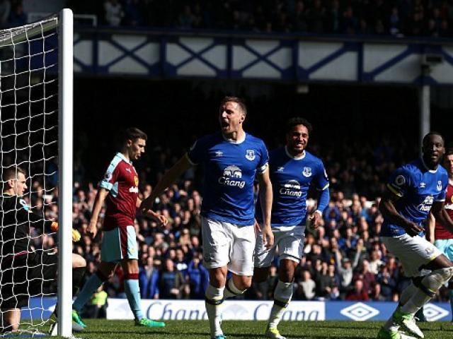 Everton - Burnley: Hiệp 2 công phá kinh hồn bạt vía