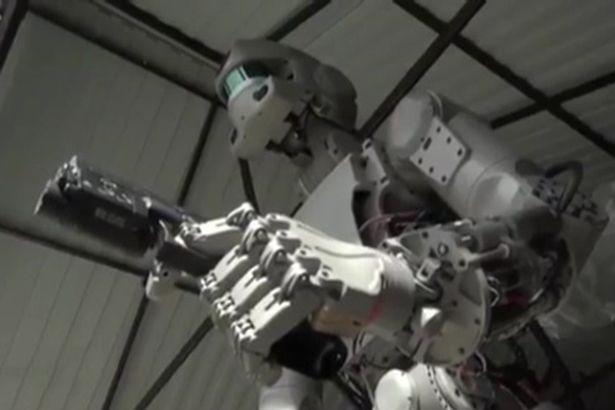 """Hé lộ về đội quân robot """"kẻ hủy diệt"""" của Putin - 1"""