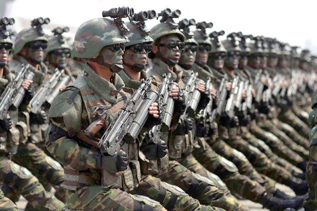"""Vũ khí lạ thường của đội đặc nhiệm """"tia chớp"""" Triều Tiên - 1"""