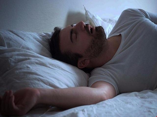 Ngủ ngáy quá to cũng có thể khiến đàn ông bị vô sinh - 1