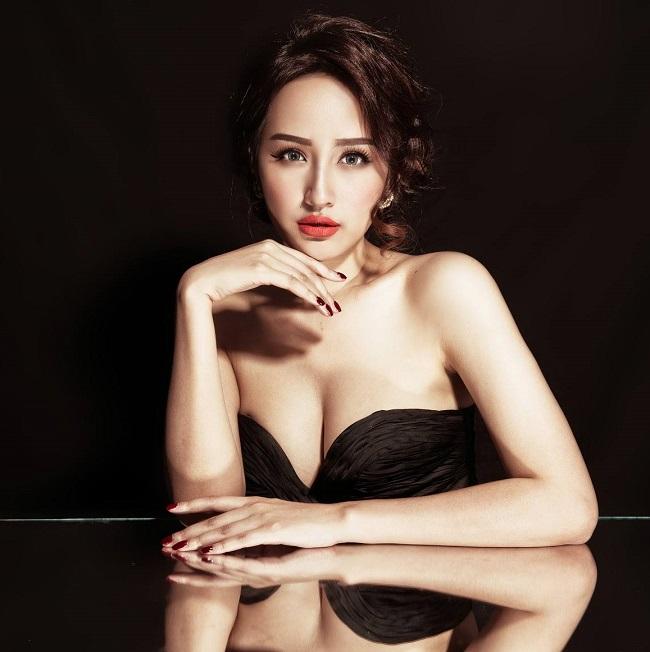 1. Mai Phương Thúy:Là một trong những hoa hậu sở hữu sắc vóc hoàn mỹ nhất Việt Nam nhờ chiều cao vượt trội và những đường cong hình thể mê người.