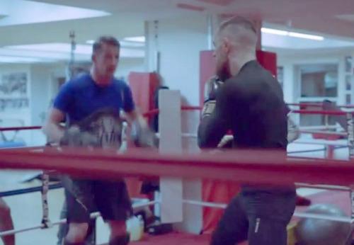 """""""Gã điên"""" McGregor luyện boxing, học Lý Tiểu Long - 1"""