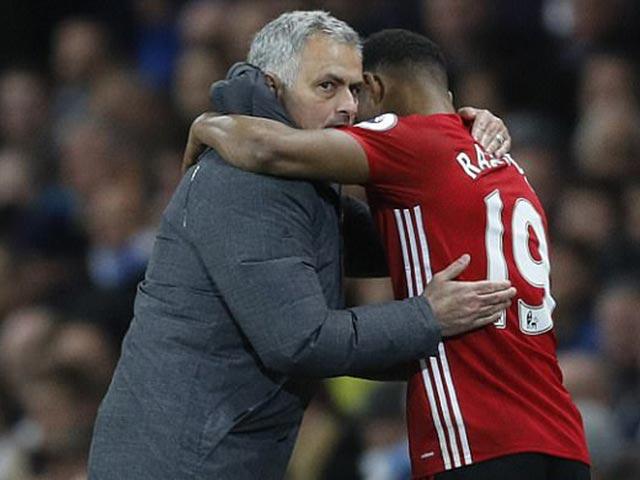 MU bất bại 24 trận: Mourinho chung mâm Sir Alex