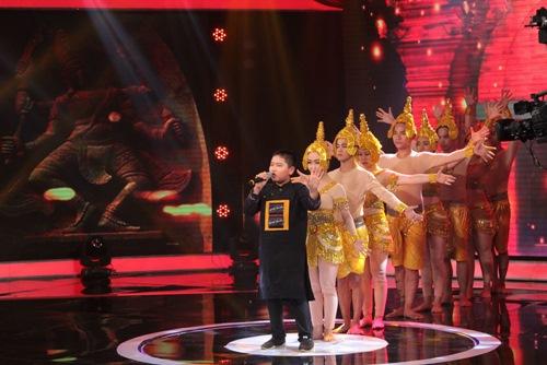 Quang Linh chê cậu bé 12 tuổi hát như người lớn - 1