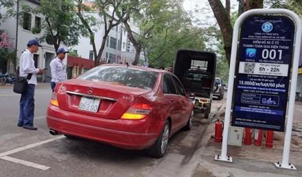 HN: Những khách hàng đầu tiên trải nghiệm đỗ xe thông minh - 1