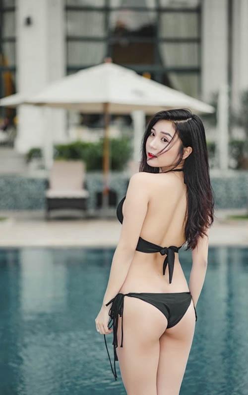 """Mướt mắt ngắm """"người yêu Quang Lê"""" thon nuột giỡn nước - 1"""