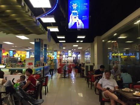 Dịp lễ 30-4: Chợ vắng, siêu thị chen nhau từng centimet - 6