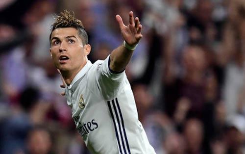 """Tuổi 32, Ronaldo vĩ đại: Liều """"doping"""" nào cho CR7? - 1"""