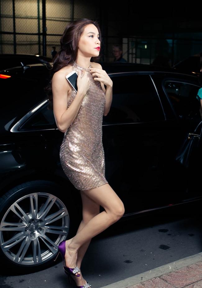 Hồ Ngọc Hà khoe vóc dáng quyến rũ khi đi chấm thi X-Factor.