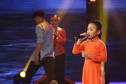 Buồn não lòng khi nghe cô bé 7 tuổi hát dân ca - 1