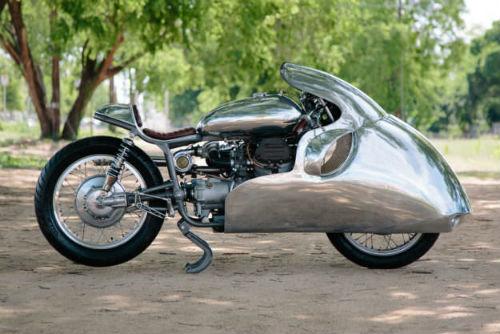 Chết mê ấn phẩm xế độ Moto Guzzi tăng áp - 1