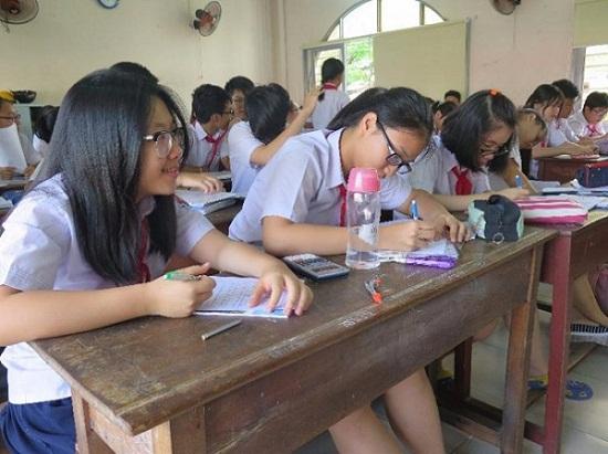 Hàng loạt học sinh điều chỉnh nguyện vọng thi lớp 10 - 1