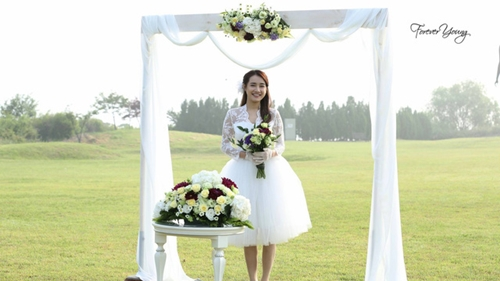 Nhã Phương diện váy cô dâu làm tan chảy trái tim trai trẻ - 5