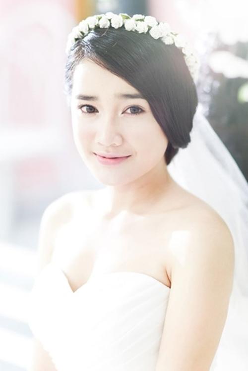 Nhã Phương diện váy cô dâu làm tan chảy trái tim trai trẻ - 6