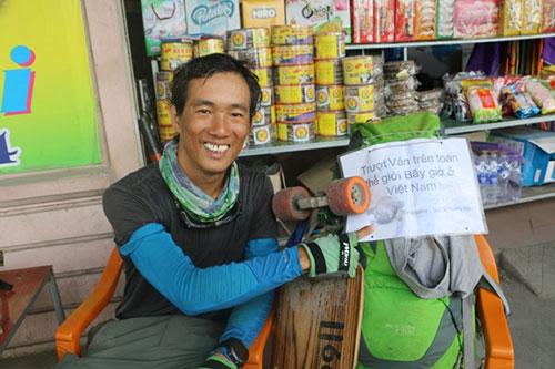 Phượt thủ xuyên Việt bằng ván trượt đặt chân tới xứ Nghệ - 1