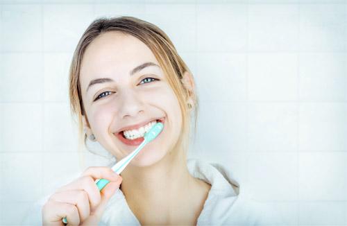Kết quả hình ảnh cho được xem thường cảm giác ê buốt răng khi tiếp xúc