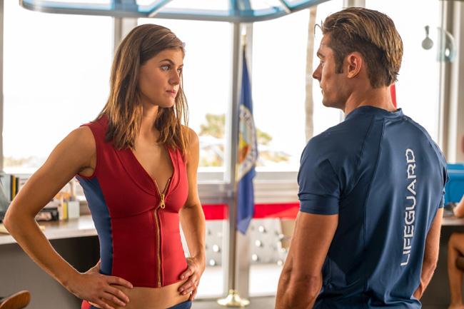 Baywatch Đội Cứu Hộ Bãi Biển được xem là bộ phim thu hút trên các rạp chiếu phim hè này bởi dàn diễn viên nổi tiếng, đặc biệt là các cô gái quyến rũ.