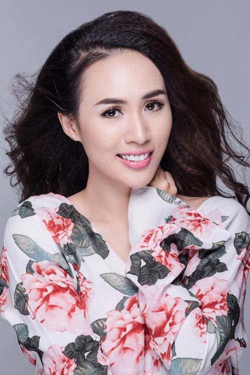 MC Bảo Anh tự tin khoe eo, đọ dáng với Thu Minh, Ngọc Trinh - 1