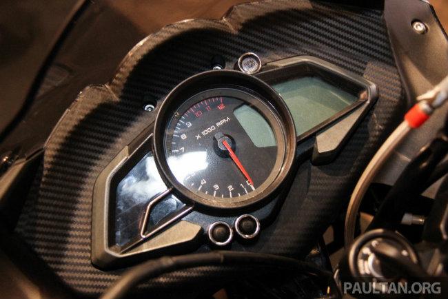 Cụm đồng hồ của Modenas Pulsar RS200.