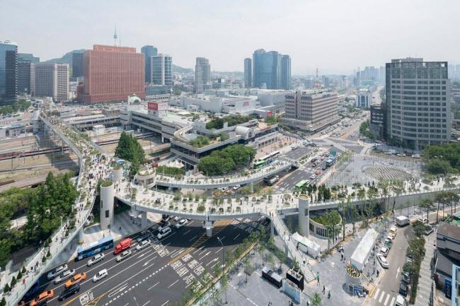 Cầu vượt bỏ không hóa khu vườn trên cao đẹp lạ ở Hàn Quốc - 1