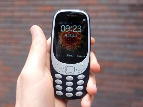 """Video: Nokia 3310 chạy """"ngon"""" sau 3 lần thả rơi - 1"""