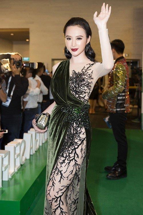 """10 bộ đồ mỏng tang gây """"bão táp"""" của Angela Phương Trinh - 9"""